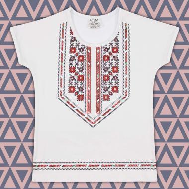 Блуза с къс ръкав с фолклорен мотиви в бяло