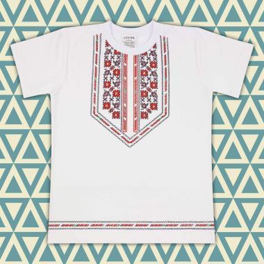 Тениска с фолклорни мотиви в бяло