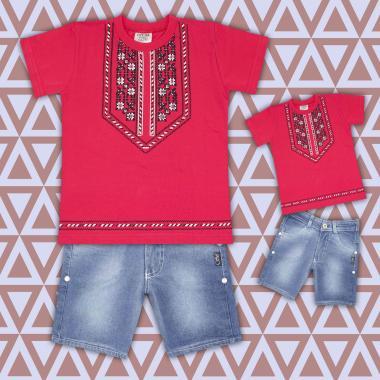 комплект дънкови бермуди и тениска с фолклорни мотиви в  корал