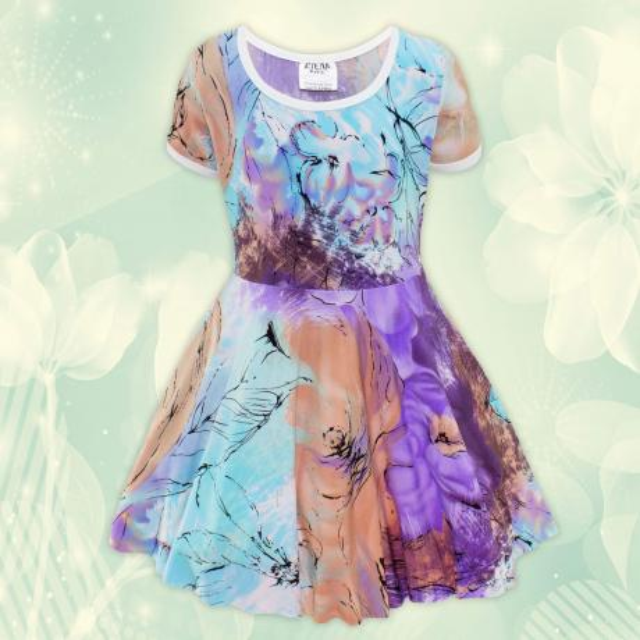 Рокля с флорални елементи в лилаво