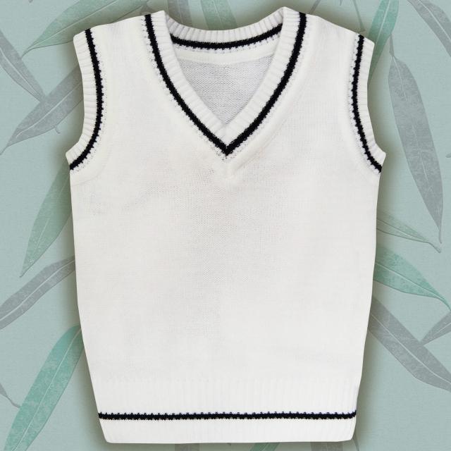 Пуловер без ръкав бял